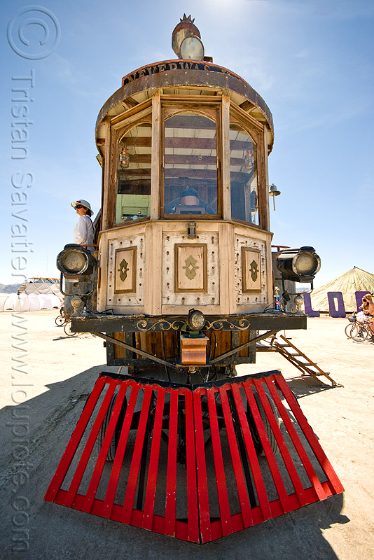 the neverwas haul - front - burning man 2010, art car, burning man, cattle guard, mutant vehicles, neverwas haul, steampunk, victorian