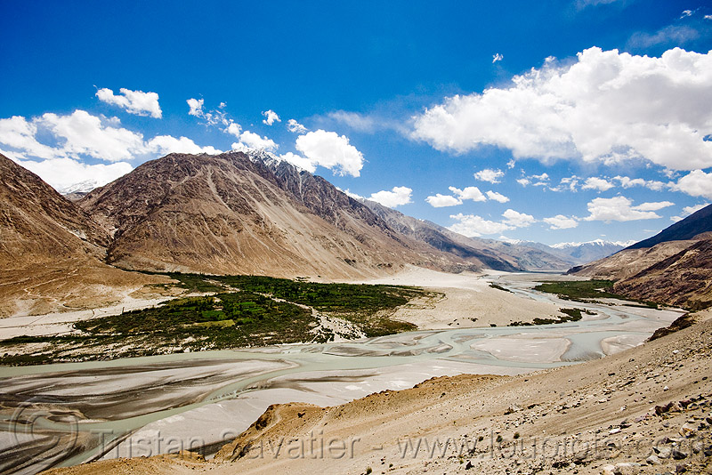 nubra valley and river - ladakh (india), mountains, river bed
