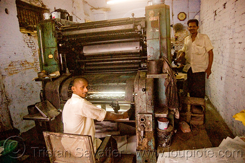 offset printing press (india), delhi, jayyed press, men, offset printing machine, print shop, printing press, printing shop, workers