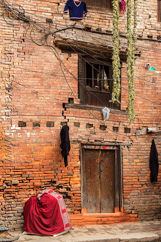 old brick house with cracks in wall (nepal), bhaktapur, brick, cracks, house, wall
