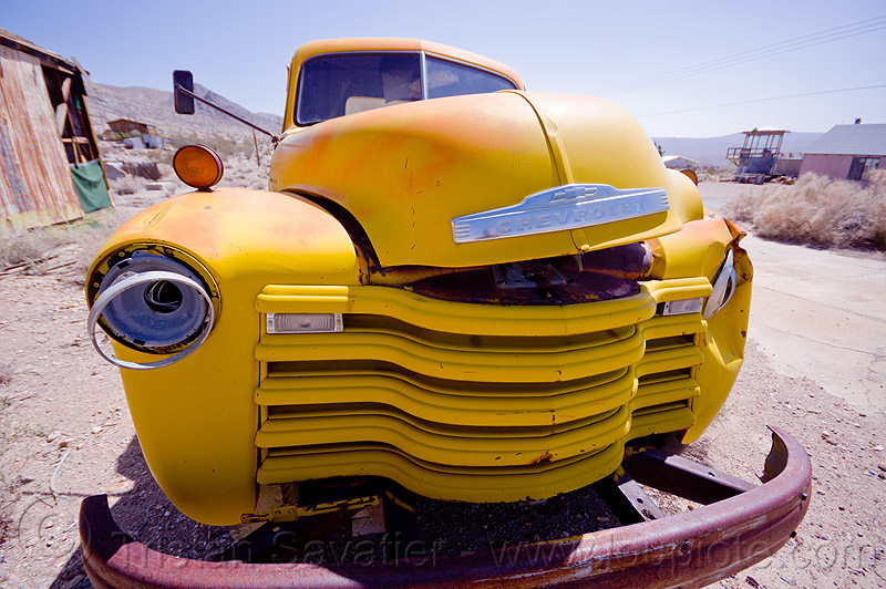 old chevy truck - darwin ghost town, chevrolet advance design, chevy, darwin, death valley, front, ghost town, grid, hood, junk, lorry, rusting, rusty, truck, wreck, yellow