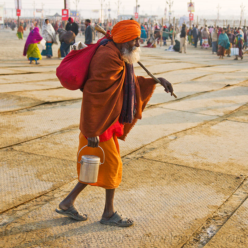 old hindu pilgrim at kumbh mela 2013 (india), baba, beard, bundle, food can, food container, headdress, hindu pilgrimage, hinduism, india, luggage, maha kumbh mela, old man, paush purnima, pilgrim, sadhu, sandals, scarf, stick, turban, walking