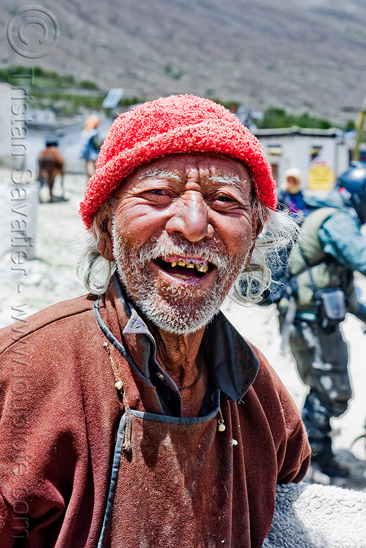 old man with bad teeth - shyok valley - nubra valley - ladakh (india), bad teeth, decayed teeth, khardung, ladakh, nubra valley, old man