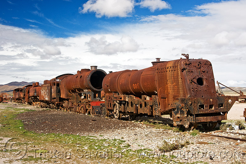old rusty steam locomotives - train cemetery - uyuni (bolivia), abandoned, enfe, fca, railroad, railway, rusted, rusty, scrapyard, steam engine, steam locomotive, steam train engine, train cemetery, train graveyard, train junkyard, uyuni
