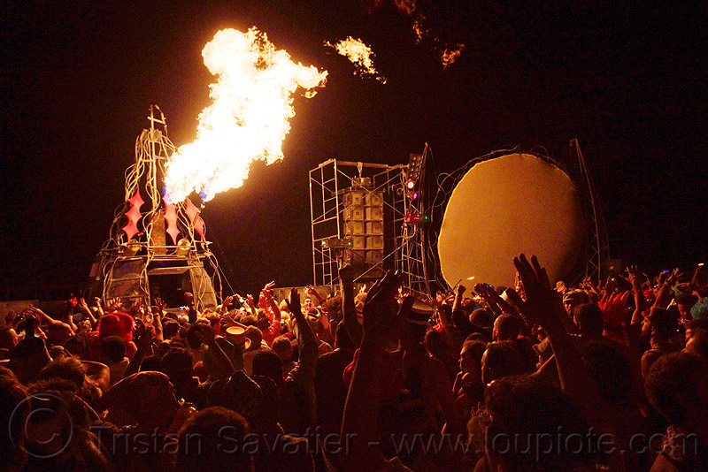 opulent temple - burning man 2009, burning man, crowd, dancing, fire cannon, flames, night, opulent temple