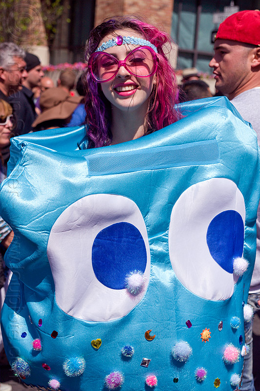 pacman ghost costume, bridget, costume, eyes, head band, how weird festival, pacman ghost, woman
