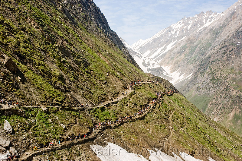 parallel trails - amarnath yatra (pilgrimage) - kashmir, amarnath yatra, hiking, hindu pilgrimage, india, kashmir, mountain trail, mountains, parallel, pilgrims, snow, trails, trekking, v-shaped valley