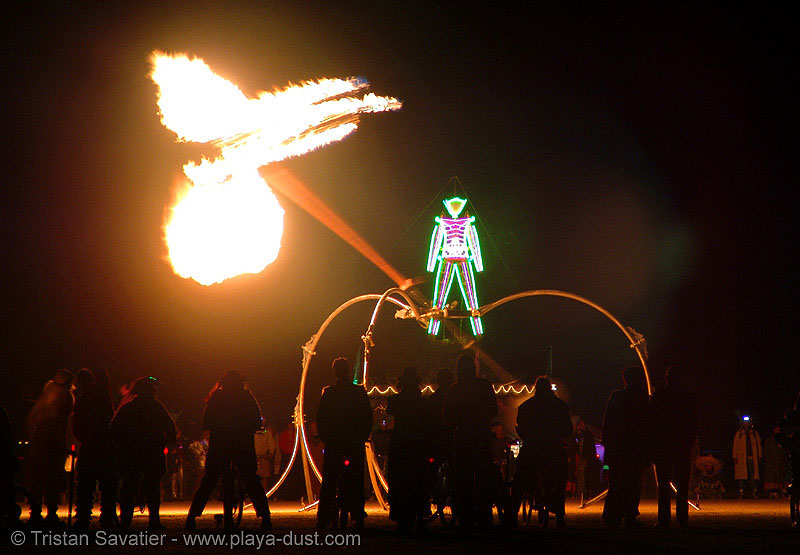 pendulum of fire by pyrokinetics - burning-man 2005, art, burning man, flames, night, pendulum of fire, pyrokinetics