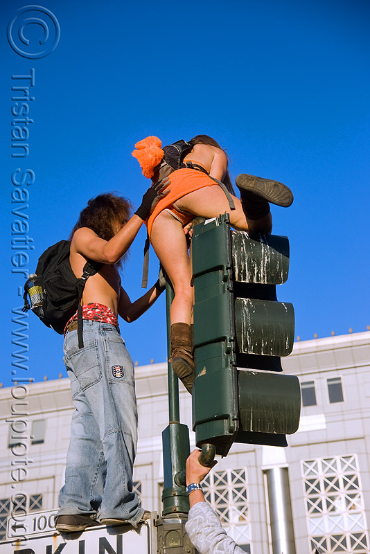 traffic lights, climbing, festival, guy, love fest, lovevolution, man, traffic light, woman