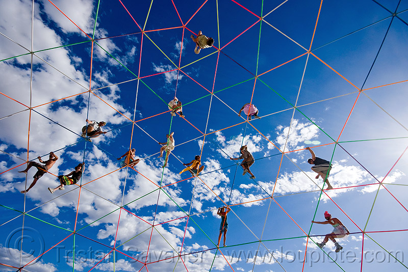 people on darwin dome - geodesic dome - burning man 2009, burning man, clouds, darwin dome, geodesic dome, hippie killer, overkill, spider web, spiders, tetrion, truss