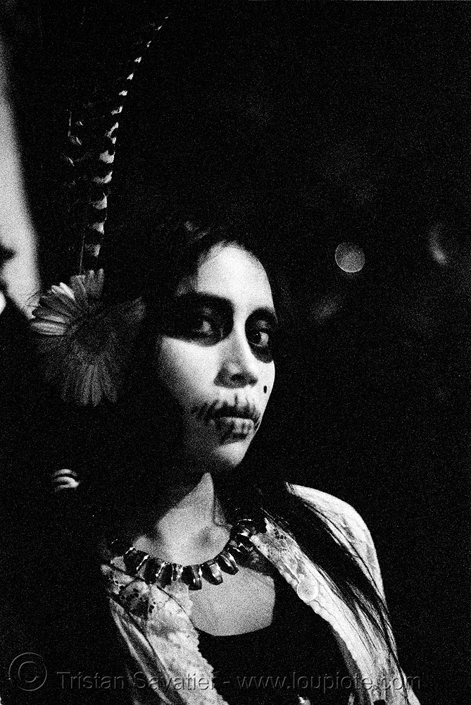 pia - dia de los muertos - halloween (san francisco), day of the dead, feathers, low key, makeup, mission, necklace, night, p3200tmz, people, pushed, the mission, tmax, woman