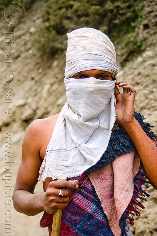 pilgrim with head cover - amarnath yatra (pilgrimage) - kashmir, amarnath yatra, dust mask, face mask, kashmir, man, mountain trail, mountains, pilgrim, pilgrimage, trekking, yatris, अमरनाथ गुफा