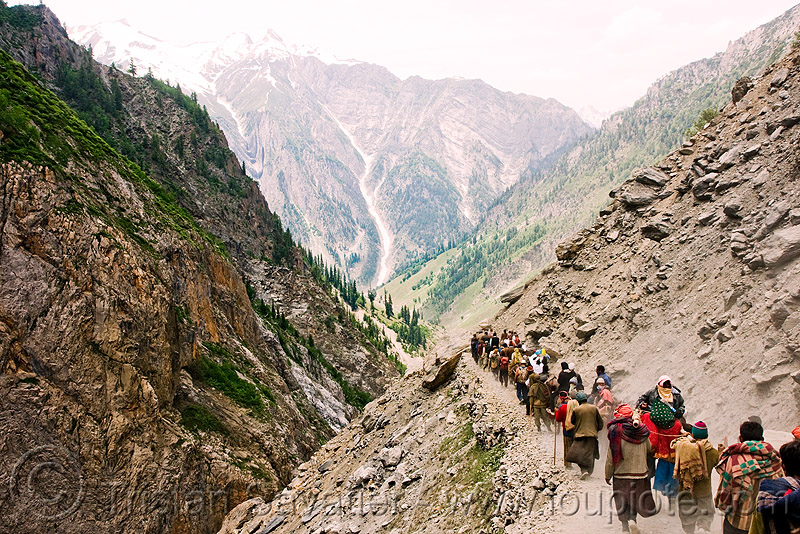 pilgrims on trail - amarnath yatra (pilgrimage) - kashmir, amarnath yatra, hiking, hindu pilgrimage, india, kashmir, mountain trail, mountains, pilgrims, trekking, v-shaped valley