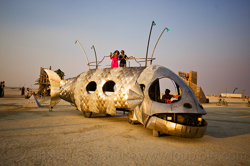 pilot fish art car at sunset - burning man 2013, burning man, dr harry adelson, pilot fish art car