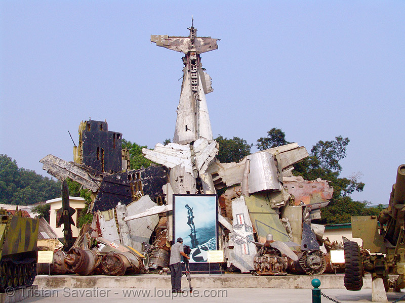 plane wrecks - war - american - vietnam, aircraft, army, army museum, bent, crashed, debris, hanoi, metal, military, pieces, shot down, twisted, vietnam war, warplane, wreck, wreckage