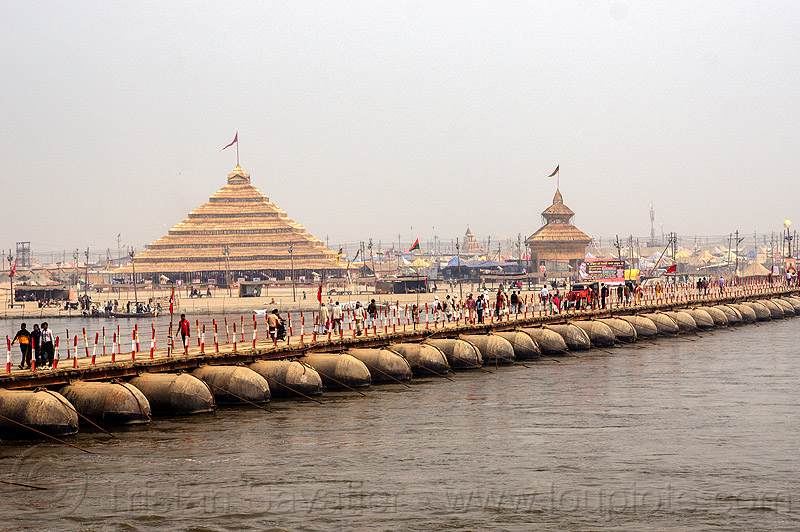 pontoon bridge over the ganges river - kumbh mela 2013 (india), ashrams, floating bridge, foot bridge, ganga, ganges river, hindu pilgrimage, hinduism, india, maha kumbh mela, metal tanks, pontoon bridge, pyramid, walking