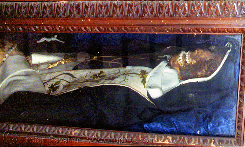 preserved body of a saint (napoli, italy), body, cadaver, christian relics, corpse, dead, holy relics, human remains, man, naples, napoli