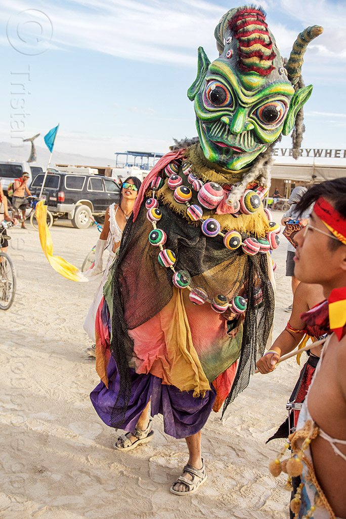 千里眼- qianli yan - giant puppet in the mazu procession - burning man 2016, art, burning man, giant puppet, mazu camp, qianli yan, 千里眼