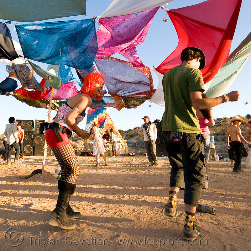 rave party in the desert, dancing, desert party, psy trance, rave party