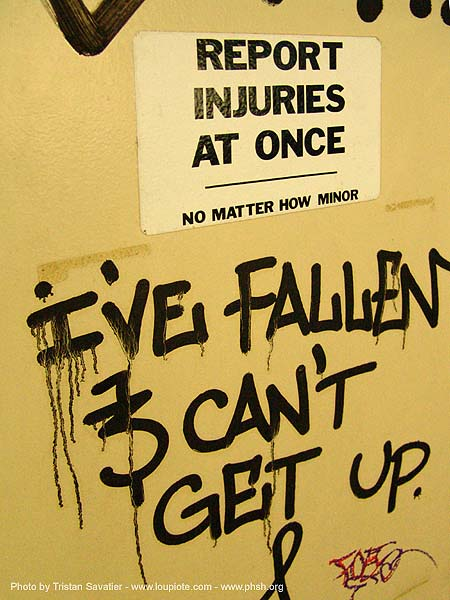 report-injuries-at-once - sign - graffity - abandoned hospital (presidio, san francisco) - phsh, abandoned building, abandoned hospital, graffiti, presidio hospital, presidio landmark apartments, trespassing