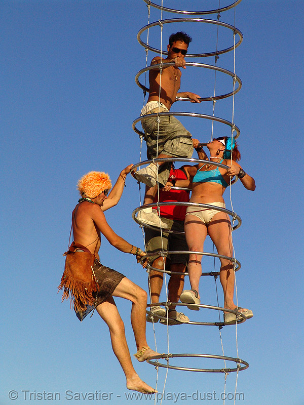 ring ladder - burning-man 2006, art installation, burning man, cables, ladder, michael christian, rings, three-legged alien
