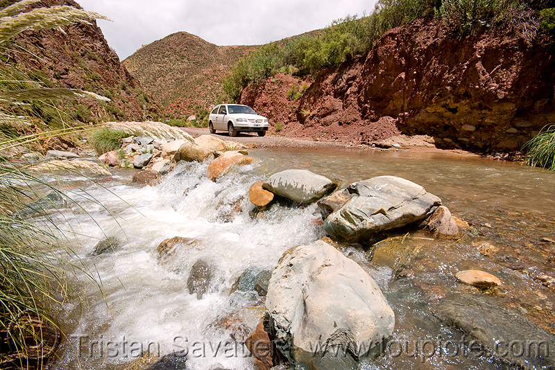 river crossing with a volskwagen gol, abra el acay, acay pass, car, fording, golf, noroeste argentino, volkswagen, water