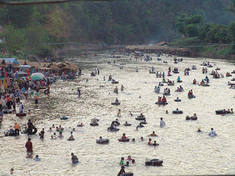 river tubing, backlight, crowd, festival, inner tubes, river bath, river bathing, river fair, river tubing, songkran, tha ton, wading, water, ประเทศไทย, สงกรานต์
