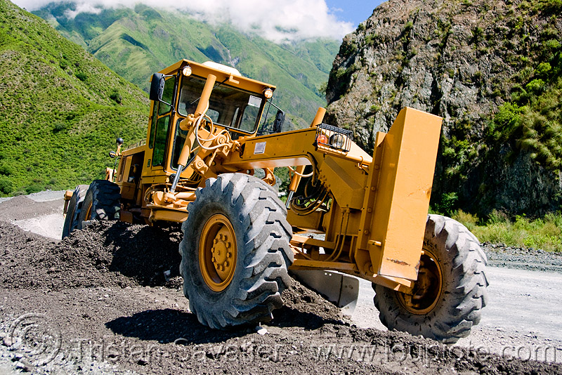 road grader - caterpillar CAT 14G (140G), at work, cat grader, caterpillar 140g, caterpillar 14g road grader, caterpillar road grader, gravel, groundwork, heavy equipment, hydraulic, machinery, motor grader, noroeste argentino, road construction, roadworks, working, yellow