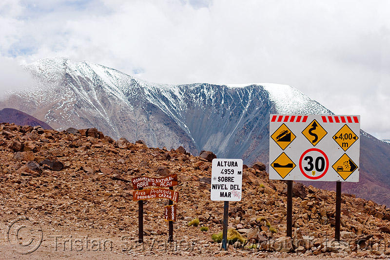 road signs - abra el acay - acay pass (argentina), mountain pass, mountains, noroeste argentino, traffic sign