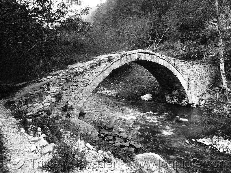 roman bridge near trigrad (bulgaria), infrastructure, river, roman bridge, stone, българия