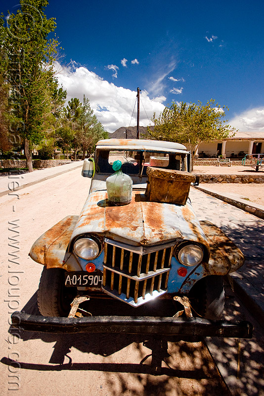 rusty willy's jeep - pickup, 4x4, all-terrain, cafayate, calchaquí valley, classic car, front, lorry, noroeste argentino, old, pickup truck, rusted, rusty, valles calchaquíes, willy's jeep