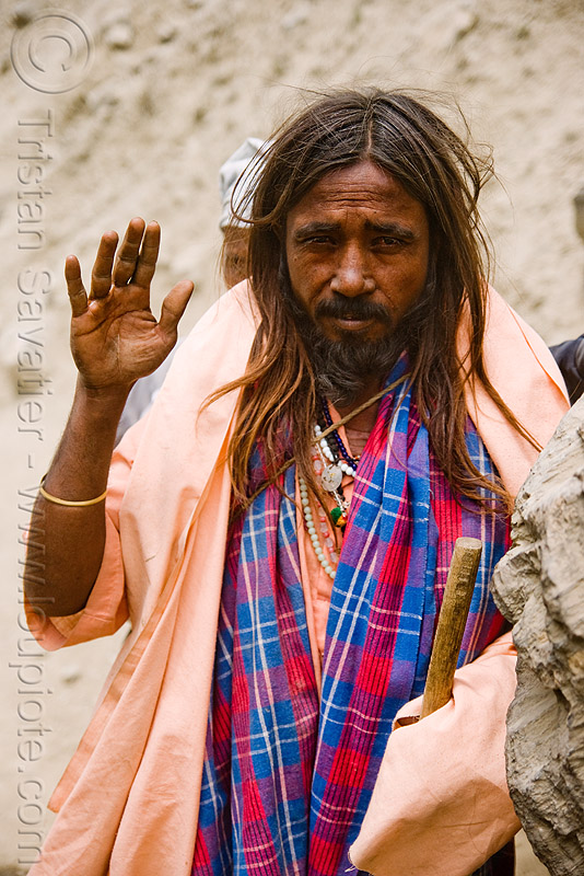 sadhu (hindu holy man) on trail - amarnath yatra (pilgrimage) - kashmir, baba, beard, hinduism, mountain trail, mountains, people, pilgrim, trekking, yatris, अमरनाथ गुफा