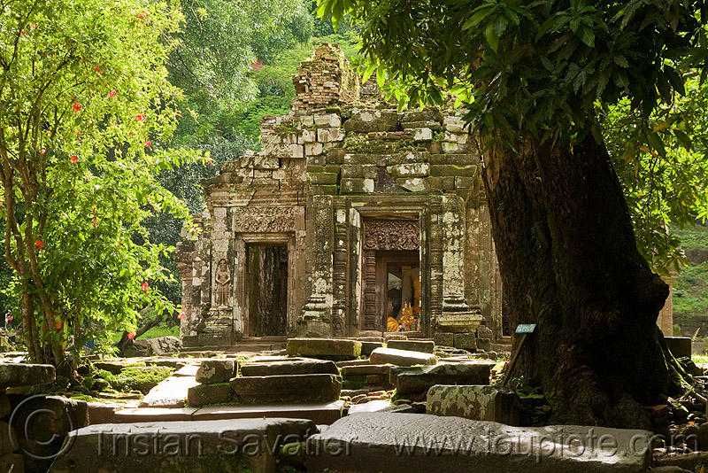 sanctuary (main shrine) - wat phu champasak (laos), hindu temple, hinduism, khmer temple, laos, main shrine, ruins, stone slabs, wat phu champasak