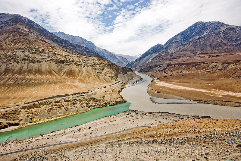confluence of zanskar and indus rivers, confluence, indus river, ladakh, mountains, river bed, rivers, sangam, valley, zanskar river