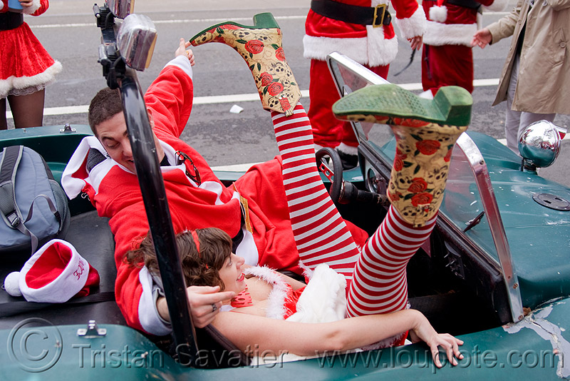 santa claus party in dune buggy, boots, car, christmas, costumes, cowboy boots, fishnet, fishnet stockings, fishnet tights, legs, man, people, santacon, santarchy, santas, volkswagen, woman