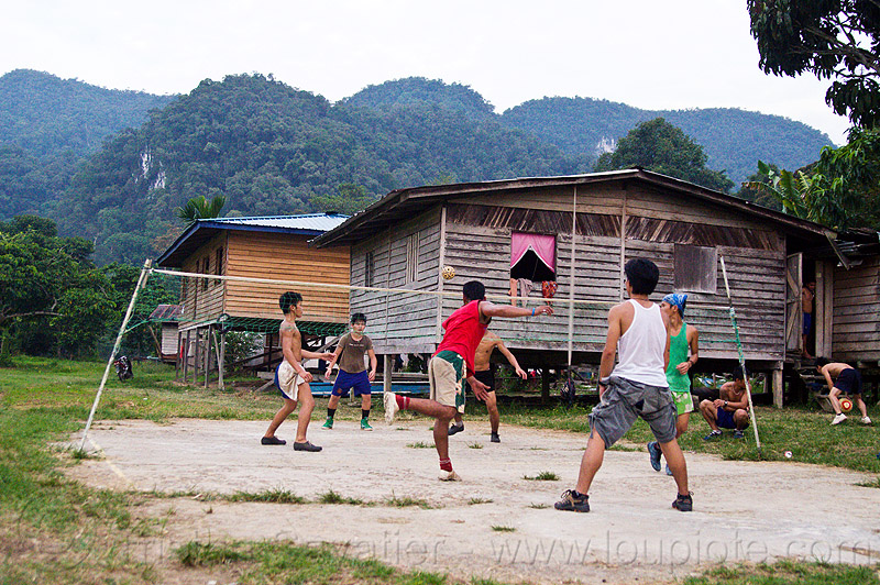 sepak takraw ballgame, ball, ball game, batu bungan, batu bungan village, field, gunung mulu, gunung mulu national park, kick volleyball, men, net, panan, penan people, player, playing, rattan ball, sepak raga, sport