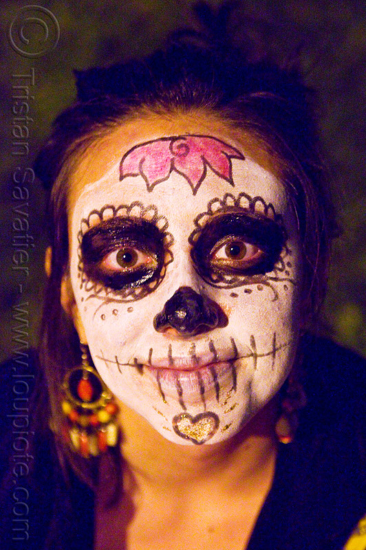 skull makeup - dia de los muertos - halloween (san francisco), day of the dead, dia de los muertos, face painting, facepaint, halloween, night, sugar skull makeup, woman