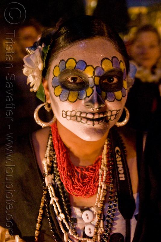 skull makeup - necklaces - dia de los muertos - halloween (san francisco), beads, day of the dead, face painting, facepaint, night, people, sugar skull makeup, woman