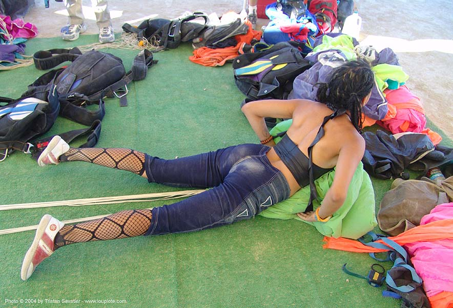 skydiver amanda folding her parachute - burning-man 2004, amanda, burning man, burning sky, parachute, parachutist, skydiver, skydiving