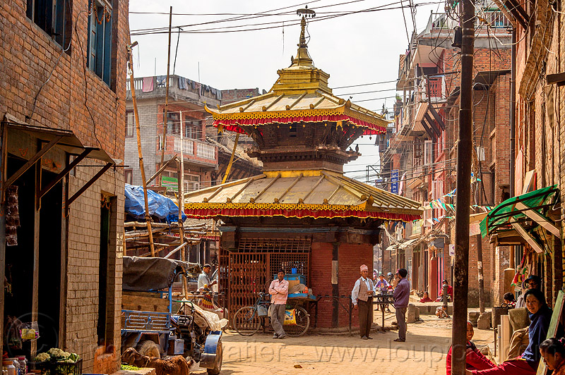 small square hindu shrine - bhaktapur (nepal), bhaktapur, hindu shrine, hinduism, street