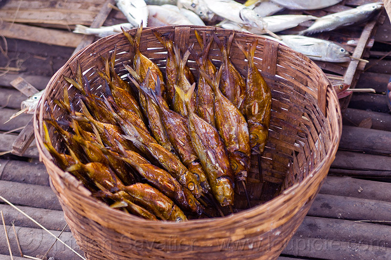 smoked fish in rattan basket, fishes, food, java, smoke, smoking, tamansari