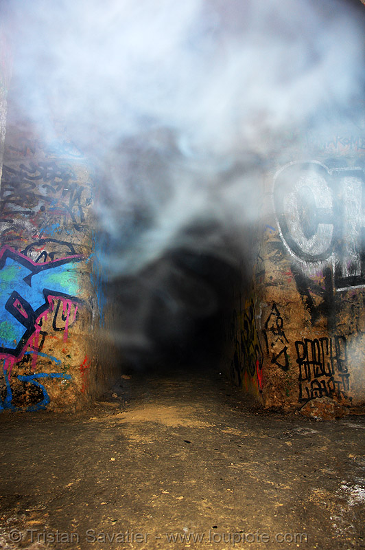 smoked-in gallery - catacombes de paris - catacombs of paris (off-limit area), catacombs of paris, cave, fumi, fumigène, graffiti, shadow, silhouette, smoke, tags, trespassing, tunnel, underground quarry