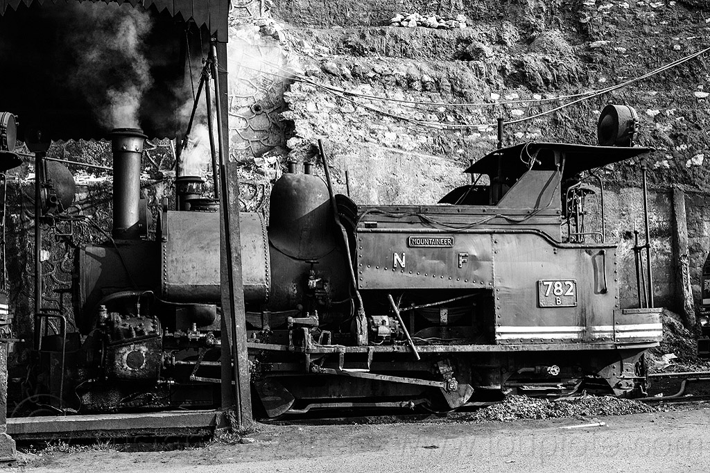 smoking steam locomotive at the darjeeling train yard (india), 782, 782 mountaineer, darjeeling himalayan railway, darjeeling toy train, narrow gauge, railroad, smoke, steam engine, steam train engine, train depot