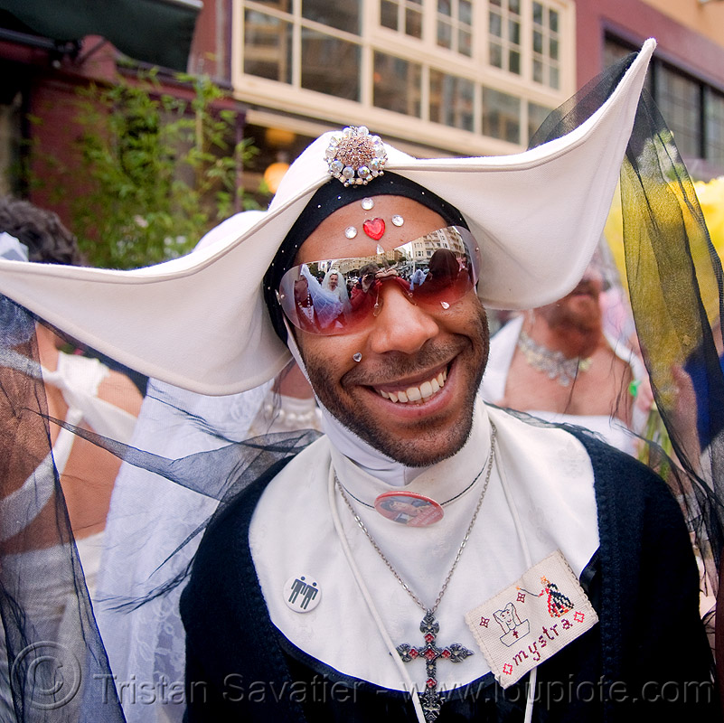 soeur mystrah - sisters of perpetual indulgence - brides of march (san francisco), bindis, bride, brides of march, christian cross, couvent de paname, jewelry, makeup, man, nuns, sisters of perpetual indulgence, soeur mystrah, sunglasses, wedding, white