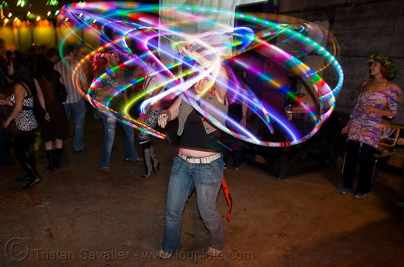 spinning a LED-light hula hoop, glowing, led hoop, led hula hoop, led lights, led-light, light hoop, paige