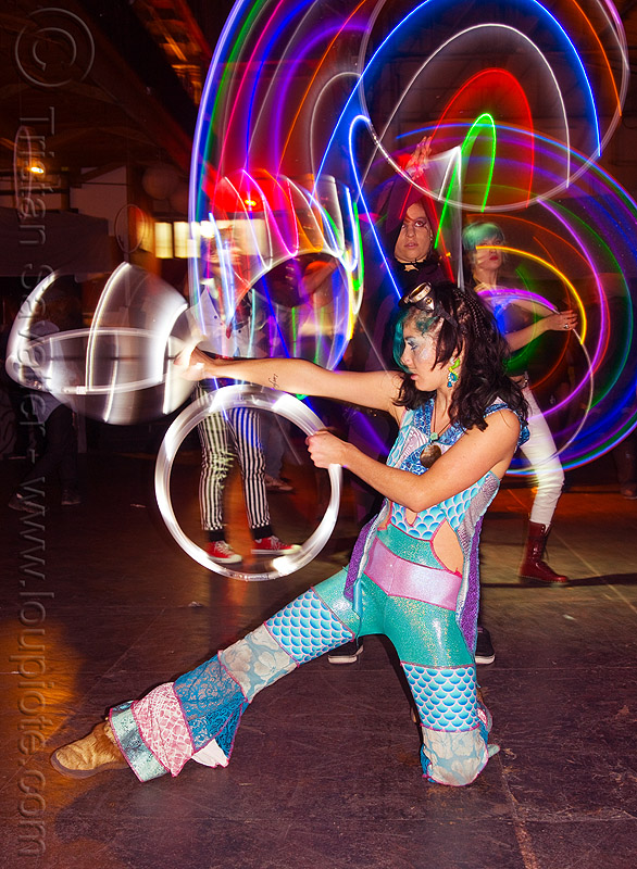 spinning LED mini hoops, cell space, glowing, grace hoops, hooper, hula hoop, led hoops, led hula hoops, led lights, led-light, light hoop, long exposure, mini hoops, night, stefanie dreamzzz, underground party, warehouse party, woman