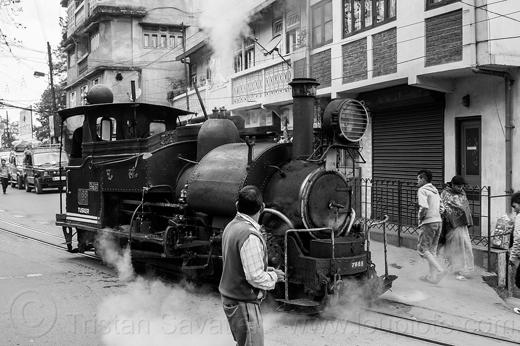 steam locomotive on street - darjeeling (india), 788 tusker, cars, darjeeling himalayan railway, darjeeling toy train, india, narrow gauge, railroad tracks, road, steam engine, steam locomotive, steam train engine, traffic, train tracks