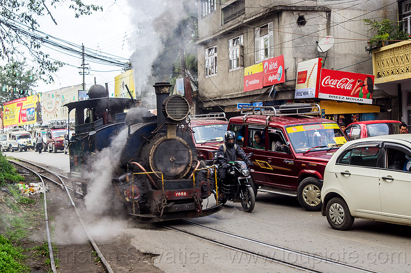 steam locomotive sharing road with cars traffic - darjeeling (india), 788 tusker, cars, darjeeling himalayan railway, darjeeling toy train, motorbike, motorcycle, narrow gauge, railroad switch, railroad tracks, rails, road, smoke, smoking, steam engine, steam locomotive, steam train engine, street, traffic jam
