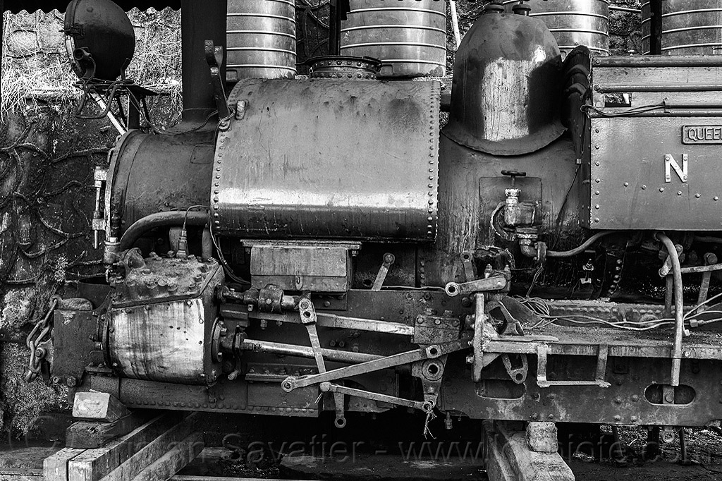 steam locomotive under repair - darjeeling train yard (india), 804 queen of the hills, cylinder, darjeeling himalayan railway, darjeeling toy train, narrow gauge, piston, railroad, rod, steam engine, steam locomotive, steam train engine, train depot, train yard