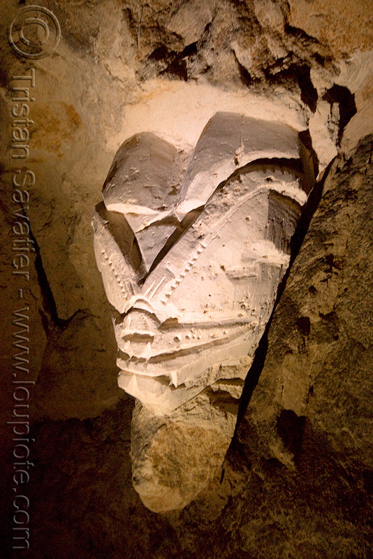 stone carving - catacombes de paris - catacombs of paris (off-limit area) - bar des rats, cave, gallery, sculpture, trespassing, tunnel, underground quarry